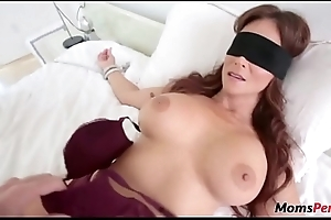 Perv laddie fucks mom'_s brashness when shes blindfolded!