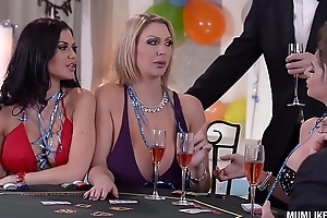 Milfs Cathy Heaven &_ Leigh Darby &_ Jasmine Jae Cum During New Year'_s Orgy