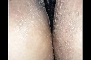 Chilena jugando con su vagina humeda