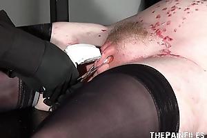 Stapled slaveslut in hardcore s&m and ingenious p...